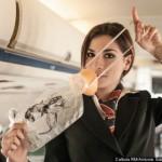 飛行機の非常事態に酸素マスクを一番始めに必ずつけるべき理由