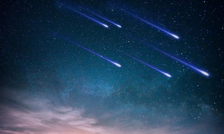 沢山の流れ星