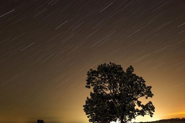 こと座流星群のピークは?福岡での時間と方角はコレ!おすすめデートスポットは?