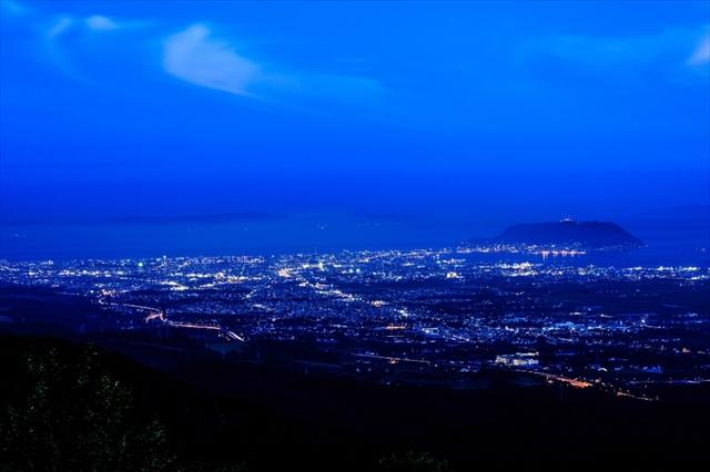 こと座流星群2017の方角と時間のピークは?大阪デートで見るならココがおすすめ!大阪
