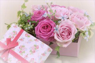 【バラの色別花言葉】赤、ピンク、青、白、オレンジ、黄色、紫はそれぞれ意味が違う?